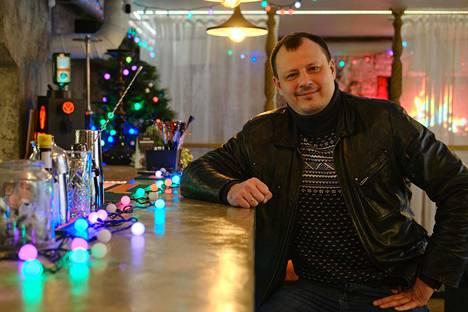 Aleksandr Konovalovista tuli ravintoloitsijoiden kapinan kasvot. Hänen mukaansa joukko ravintoloita ja baareja aikoo pitää ovensa auki uutenavuotena kiellosta huolimatta.