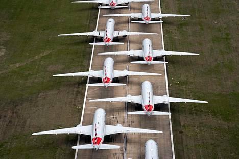 American Airlines -yhtiön koneita oli pysäköity limittäin kiitoradalle Oklahomassa Tulsan kansainväliselle kentälle 23. maaliskuuta.