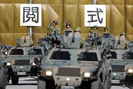 Japanin armeija esitteli kalustoaan Asakassa lokakuussa.