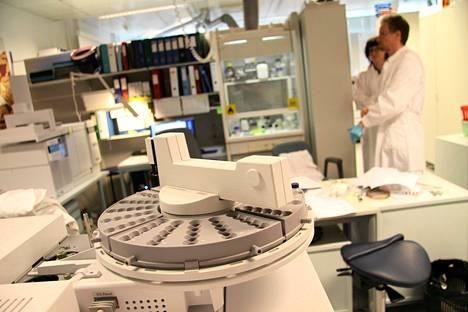 Helsingin yliopiston alaisessa Verifin -tutkiuslaitoksessa tutkitaan kemiallisten aseiden käyttöä.