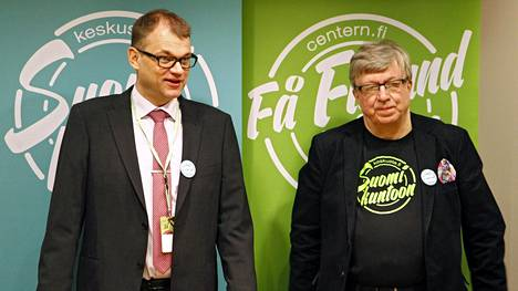 Juha Sipilä ja Timo Laaninen vuonna 2015 keskustan vaaliristeilyllä.