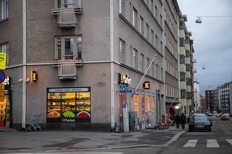 Töölöntorin K-Marketista voi ostaa nyt myös ravintola-annoksia.