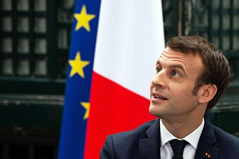 """Ranskan presidentti Emmanuel Macron osallistui perjantaina """"suureen kansallisen keskusteluun"""" Girondessa Ranskassa."""