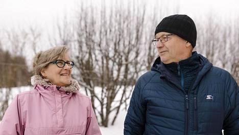 Tänä vuonna tuli 23 vuotta siitä, kun Kaisa ja Veikko Pahnila alkoivat asua vierekkäisissä taloissa.