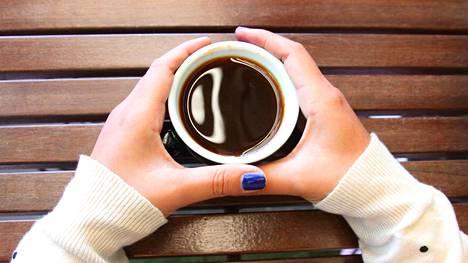 Tuore brittitutkimus ei löytänyt yhteyttä runsaan kahvinjuonnin ja valtimojäykkyyden välillä.