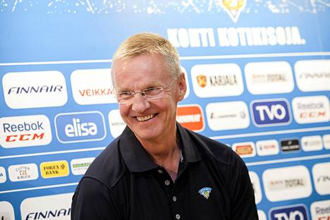 Päävalmentaja Kari Jalonen on ensimmäistä kertaa vetovastuussa marraskuussa pelattavassa Karjala-turnauksessa.