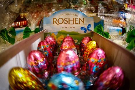 Roshenin suklaamakeisia esillä kiovalaisessa myymälässä viime maaliskuussa.