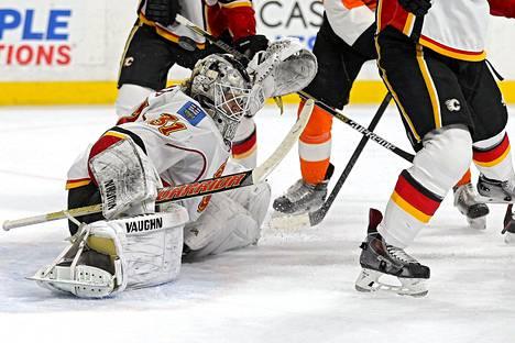 Karri Rämö torjui 35 kertaa Calgaryn maalilla.