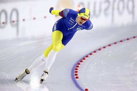 Nils van der Poel teki uuden maailmanennätyksen 10000 metrillä. Kuva 5000 metrin kisasta 11. helmikuuta.