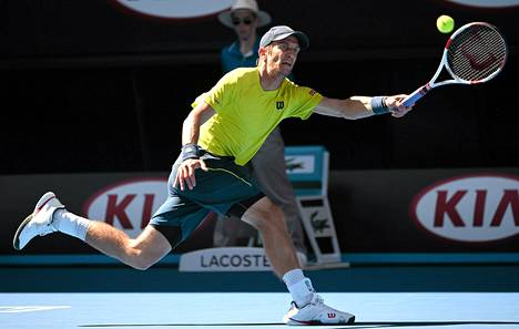 Jarkko Nieminen hävisi Australian avoimien kolmannella kierroksella Sveitsin Stanislas Wawrinkalle.