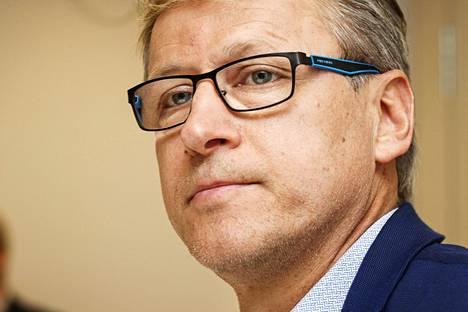 Päävalmentaja Markku Kanerva yrittää johdattaa Suomen jalkapallon EM-kisoihin.