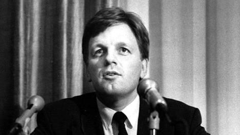 Vuosina 1991–1995 Esko Aho ohjaili pääministerinä Suomea ulos lamasta.
