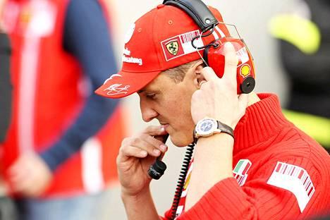 Michael Schumacherin tukijat harvenevat.