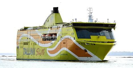 Tallink Shuttle Superstar Helsingissä maanantai-iltana