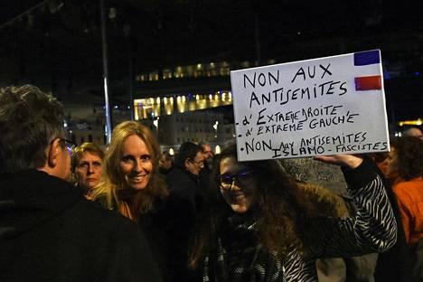 Marseille´ssa mielenosoittajat halusivat sanoa ei muun muassa äärioikeiston ja äärivasemmiston antisemitisteille.