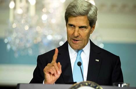 John Kerry piti tiedotustilaisuuden Washingtonissa perjantai-iltana.