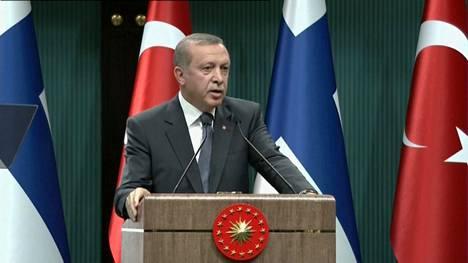 Näin Turkin presidentti vastasi suomalaistoimittajan kysymykseen Turkin hallinnon itsevaltaiuudesta