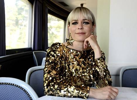 Paula Vesala on mukana kymmenennellä Vain elämää -tuotantokaudella.