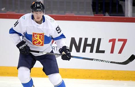 Alexander Barkovista paistaa kova halu tulla paremmaksi pelaajaksi.