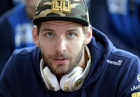 Olli-Pekka Ojansivu sai alaraajavamman lauantain harjoituksissa eikä matkustanut liigaotteluun Kuopioon.