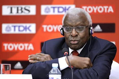 Kansainvälisen yleisurheiluliiton entistä johtajaa Lamine Diackia epäillään korruptiosta, rahanpesusta ja salaliitosta.