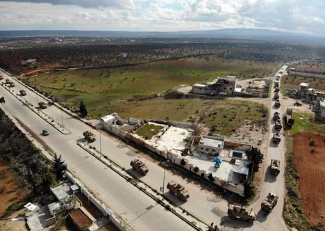 Turkin armeijan ajoneuvot liikkuivat Idlibin alueella Syyriassa viime viikon lopulla.