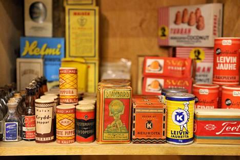 Messuilla on myynnissä monenlaista vanhaa tavaraa.