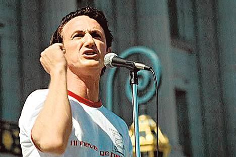 Sean Penn voitti Oscarin roolistaan sanfranciscolaisena homopoliitikkona Harvey Milkinä.