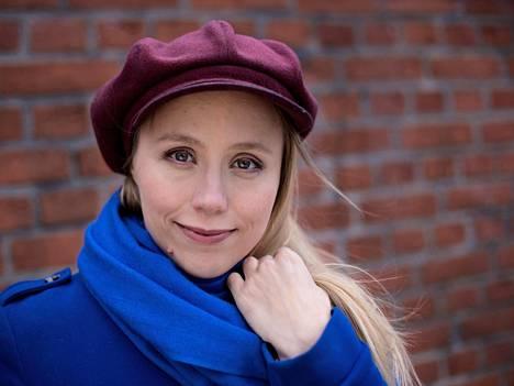 Vuodesta 2007 lähtien Berliinissä asunut suomalainen ammattipianisti Terhi Dostal konsertoi eri puolilla Eurooppaa.