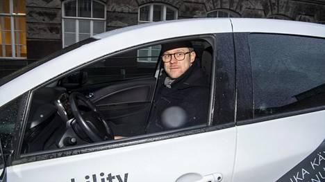 Tanskalainen Greenmobility tuli Helsingin markkinoille joulukuussa sähköautoilla. Helsingin kaupunkivastaava Tomas Basili esitteli auton käyttöönottoa.