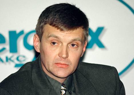 Alexander Litvinenko entinen Venäjän federaation turvallisuuspalvelun agentti Moskovassa vuonna 1998.