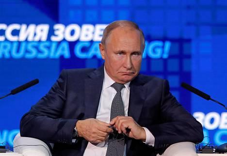 Vladimir Putin puhui merikahakasta sijoittajatapahtumassa Moskovassa