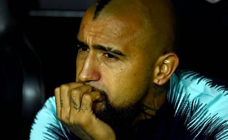 Vähäinen peliaika FC Barcelonassa on saanut Arturo Vidalin mietteliääksi.