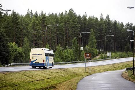 Linja-autoliitto uskoo, että palveluseteleiden käyttöönotto antaisi linja-autoyrityksille keinon säilyttää yhteyksiä myös kaupunkiseutujen ulkopuolella.