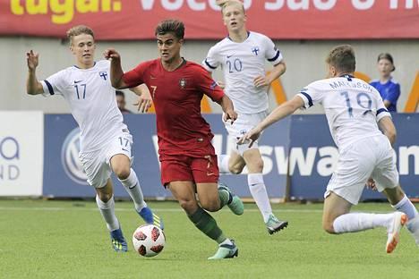 Portugalin João Filipe pyyhälsi koko Suomen puolustuksen läpi hurjaa vauhtia.