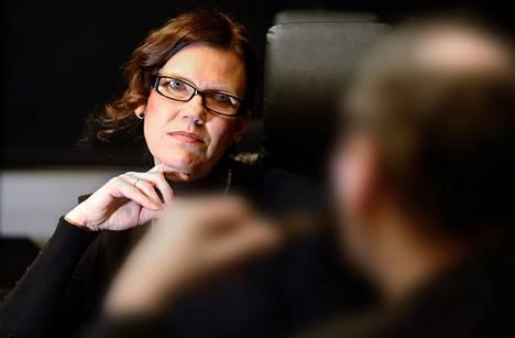 Naiset palkkaavat naisia, Satu Kiiskinen huomauttaa ja uskoo palkkatasa-arvon paranevan.