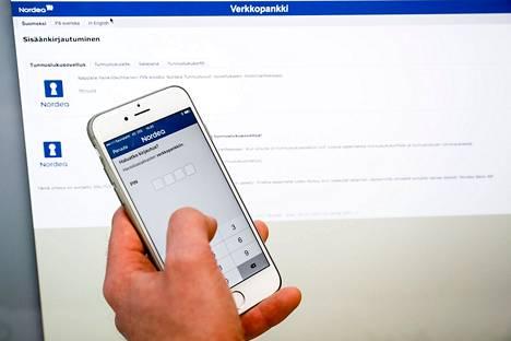 Huijausviestissä ohjataan kirjautumaan pankkien verkkosivuja muistuttaville valesivustoille. Kuvassa oikea verkkopankkisovellus ja -sivusto.