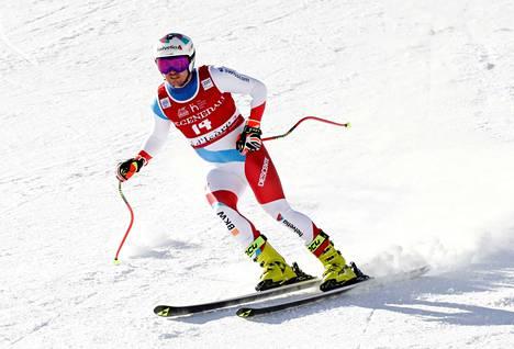 Sveitsin Urs Kryenbühl laski joulukuussa 2020 Val d'Iseren syöksylaskukilpailussa.