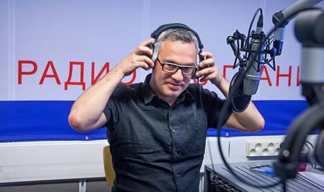 """Radio Sputnikin ohjelmapäällikkö Alexei Pankov kertoo olleensa yllättynyt kenraali Makarovin Nato-linjauksesta. """"Mutta hän on sotilas ja tottunut sanomaan suoraan."""""""