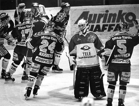 Kiekko-Espoo juhli vuonna 1993 nousua Liigaan.