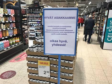 Asiakkaat voivat nyt löytää uusia tuotteita Klaukkalan K-Citymarketista. Ajatuksena on tarjota pienyrittäjille vaihtoehtoinen myyntiväylä, jos perinteiset väylät ovat koronakriisin myötä kuihtuneet kasaan.