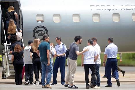 Brasilian kansalaisia pääsi karanteenista Wuhanista saapumisen jälkeen 23. tammikuuta.