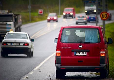 Poliisi saa ensi vuoden alkupuolella käyttöönsä viisi uutta valvonta-autoa eri puolille Suomea.
