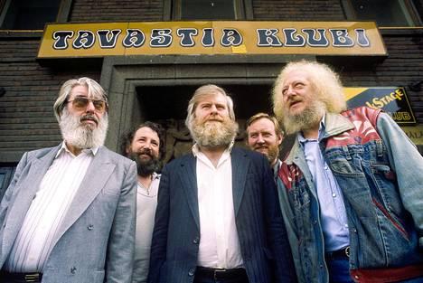 Rock-bändien rinnalla Tavastialla on kuultu monia muitakin genrejä. Maineikas irlantilainen Dubliners esiintyi Tavastialla syyskuussa 1988.