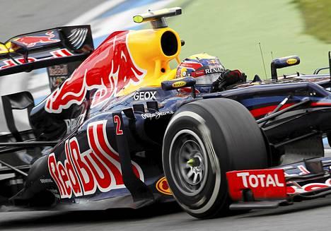 Red Bull -tallin kuljettaja Mark Webber aika-ajoissa Saksassa 21. heinäkuuta.