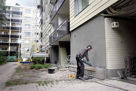Yhtiölainoja nostetaan pääasiassa korjausrakentamisen ja uudisasuntojen rahoittamiseksi. Asuintaloa remontoitiin Vantaalla heinäkuussa 2007.