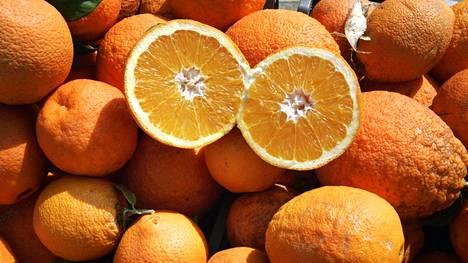 Hedelmän vitamiinipitoisuus liittyy maaperään ja ravinteisiin.