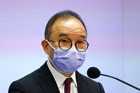 Ministeri Erick Tsang kertoi uudesta lakihankkeesta tiedotustilaisuudessa tiistaina.