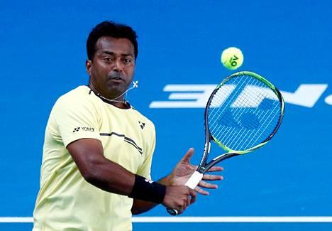 Intialainen Leander Paes pelasi kauden ensimmäisessä tenniksen grand slam -turnauksessa Australiassa.