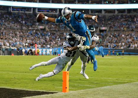 Carolina Panthersin ja Philadelphia Eaglesin ottelu päättyi Eaglesin 28–23-voittoon.